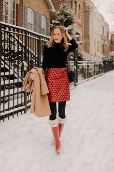 Sharing a super Valentine's Day outfit that works for Winter weather or any weather for that matter. Heart skirt for Valentine's Day paired with a black turtleneck. #vday #vdayoutfits