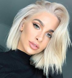 Platinum Blonde Bobs, Silver Blonde, Silver Hair, Short Platinum Blonde Hair, Platinum Blonde Hairstyles, Platinum Bob, Dyed Blonde Hair, Blonde Hair Looks, Super Blonde Hair