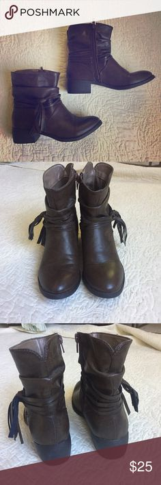 CLEARANCE Brown Ankle Boots EUC, worn once! Cute brown ankle boots with fringe detail. Dark brown faux leather and side zipper. Shoes Ankle Boots & Booties