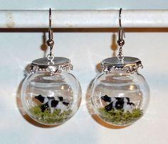 Ausgefallene Ohrringe Kuh Kühe in Glaskugel handgemacht mit Edelstahl Glas