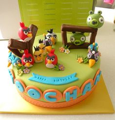 Angry Bird Cake. Carmen and Sam would LOVE this cake!