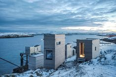 TYIN tegnestue has teamed up with rintala eggertsson architects to complete 'fordypningsrommet fleinvaer', a workspace for håvard lund in norway. Nature Architecture, Architecture Design, Cabinet D Architecture, Lund, Bungalows, Underwater Restaurant, Wood Cladding, Lofoten, Tiny House