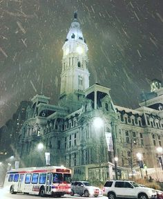 There's so many amazing shots of City Hall from our #blizzard2016 this weekend - here's one of our favorites for today's #williampennwednesday
