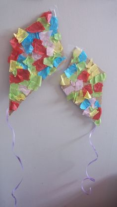 We made tissue paper kites on a windy day Preschool Weather, Weather Crafts, Weather Activities, Spring Activities, Preschool Activities, Toddler Art, Toddler Crafts, Kites Craft, Toddler Classroom