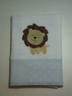 Feito em tecido fralda duplo,aplica��o com caseado e barrado em tecido de algod�o.