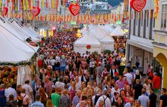 Everfest brings you the world's best festivals. What festival type are you? Find your perfect festival. All Over The World, Around The Worlds, Festival One, Festivals Around The World, Kirchen, Coachella, Austria, Dolores Park, Places
