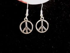 AWESOME NEW WOMEN'S SILVER PLATED ALLOY PIECE SIGN HOOK DANGLE EARRINGS #Unbranded #DropDangle