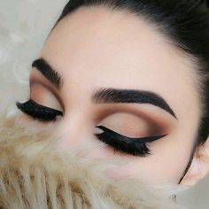 @thecutestberry This turned into one of my old look, nothing like what i imagined-pissed #eotd @elstileshop lashes Santorini #morphe 35 P palette #rivaldeloopyoung bronze highlighter (middle) #bellapiere highlighter shade (4) (eye corner) #nyc black liquid eyeliner #anastasiabeverlyhills brow pomade ebo