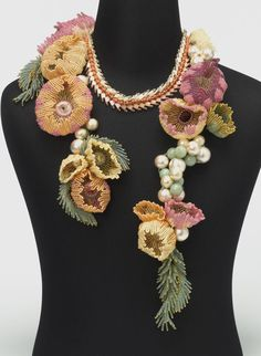 Necklace of the flower - Bead Dreams entry