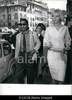 Download this stock image: Feb. 29, 2012 - Sammy Davis the American arrived yesterday in Rome with his wife the former actress May Britt, went shopping thi - E13CJ8 from Alamy's library of millions of high resolution stock photos, Stock Photo, illustrations and vectors.