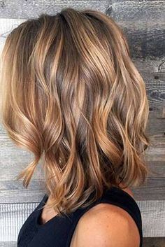 2019 Hairstyles Diy And Tutorial For All Hair Lengths 066 - Fashion Moda 2019 Blonde Hair With Highlights, Brown Blonde Hair, Brunette Hair, Blonde Honey, Medium Blonde, Caramel Blonde Hair, Carmel Highlights, Blonde Lob, Hair Color Caramel