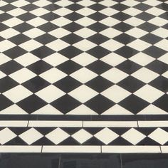 London Mosaic - Traditional Black and White Tiled Path Victorian Hallway Tiles, Tiled Hallway, Hallway Flooring, White Mosaic Bathroom, White Mosaic Tiles, Master Bathroom, Tiles London, Hall Tiles, Porch Tile