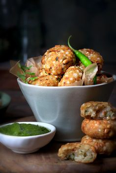 Sabudana Vada Is A Crispy And Delightful Maharashtrian Sabudana Vada Recipe Is Made With Sago, Mashed Potatoes, Roasted Peanuts And Seasonings. It Is Also Known As Sago Vada, Sabudana Tikki Or Sabudana Cutlet. Serve It As An Appetizer, Evening Snacks Or Bacon Recipes, Vegan Recipes, Cooking Recipes, Quiche Recipes, Sabudana Recipes, Sabudana Vada, Vegetarian Breakfast Recipes, Evening Snacks, Recipe Steps