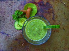 Słodko i Pieprznie: Zielone Smoothi z kiwi ogórka i natki pietruszki