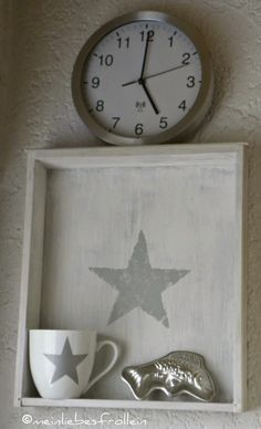 Upcycle an old drawer into an adorable shelf Old Drawers, Flea Market Style, Little Star, Decoration, Chalk Paint, Upcycle, Clock, Crafty, Interior