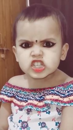Cute Funny Baby Videos, Cute Funny Babies, Funny Videos For Kids, Cute Kids, Mehndi Designs For Fingers, Henna Tattoo Designs, New Girl Pic, Film Dance, Travel Pictures Poses
