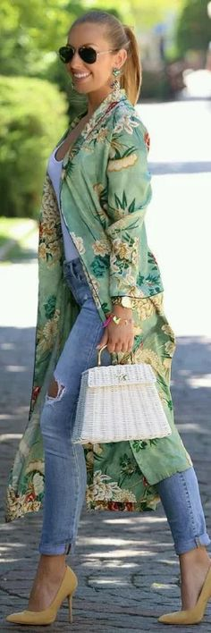Kimono love // Summer Outfit Idea by Mesi Szigeti Kimono Outfit, Kimono Fashion, Boho Fashion, Autumn Fashion, Womens Fashion, Kimono Jacket, Boho Outfits, Spring Outfits, Casual Outfits