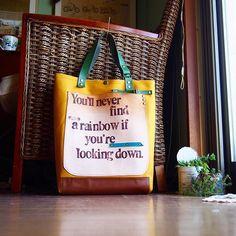 Love the word This is lovely Handmade bag.  倉敷帆布辛子8号と革のコラボトートバック完成。 サイズ  上部幅35  高さ40  マチ10 外ポケット、中ポケットひとつづつ  ステンシルには You'll never find a rainbow if you're looking down. - Charlie Chaplin (チャップリン) -  下を向いていたら、虹を見つけることは出来ないよ。  近々販売予定 いろいろバックを製作中です #トートバック#レザーバック##シザーケース#美容師#ハンドメイド#革#minne#メルカリ#倉敷帆布#ショルダーバック#クラッチ#手染め#leather #革小物#ハンドメイド#犬#風景#アンティーク#トリマー#フローリスト#インテリア#レザークラフト