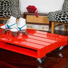 Table basse palette laque rouge