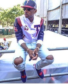 Fabolous wearing the 'London' Nike Air Huarache Hip Hop Fashion, Dope Fashion, Fashion Killa, Urban Fashion, Mens Fashion, Fashion Ideas, Matching Couple Outfits, Matching Couples, Fabulous Rapper