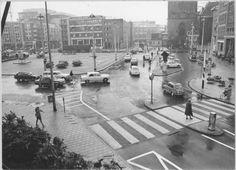 De Grote Markt aan de oostzijde met zicht op het oostelijk deel van de noordwand omstreeks eind jaren 60. - Foto's SERC