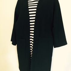 Black three-quarter length Zarah coat Black three-quarter length is there a basic coat size medium Zara Jackets & Coats Pea Coats