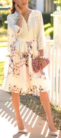 Cherry blossom skirt - I love that skirt. A romantic outfit.