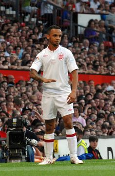 Marvin Humes Get your FREE DOWNLOAD of the SportsQuest app at www.sportsquestapp.com @SportsQuestApp