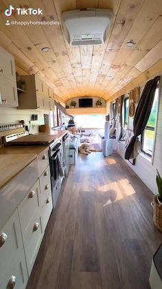 School Bus Tiny House, School Bus Camper, Van Conversion Interior, Camper Van Conversion Diy, School Bus Rv Conversion, Motor Casa, Bus Interior, Kombi Home, Bus Living