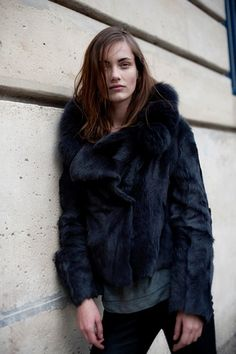 Best Outfit Ideas For Fall And Winter  ink blue faux fur
