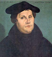 Martin Luther oli reformaation keskeinen hahmo. Hän oli saksalainen augustinolaismunkki jonka ajattelutapa mm. Raamatusta ja synnistä erosi aikalaistensa näkemyksistä. Luther tutkiskeli Raamattua tarkkaan ja oivalsi, että synti oli pahuutta, joka ei ollut ihmisen itsensä parannettavissa.