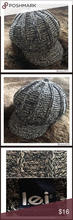 Easter SaleWomen's Newsboy Knit Hat This black and white knit newsboy hat has been gentle used by me and is in good condition.   No Trade  All Offers  Click The Offer Button  Smoke Free Home  ✔️Reasonable Offer l.e.i. Accessories Hats