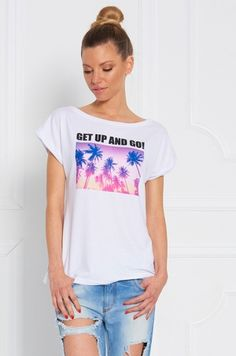 Tričko s krátkym rukávom potlačou palm a nápisom Get up and go! vhodné k džínam a legínam na každodenné nosenie.