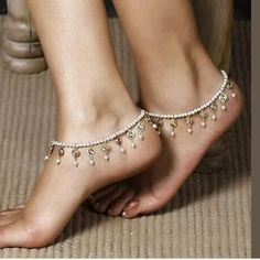 ANKLE BRACELET in Pearls and Detail NWT Flexible Jewelry