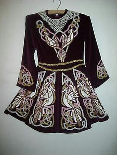 Wine velvet with gold pleats