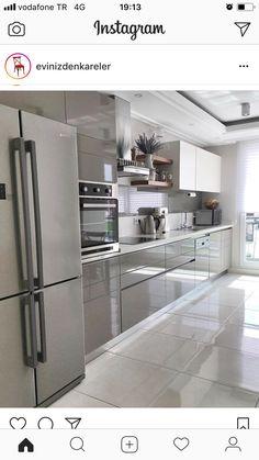 ideas for living room desgn transitional spaces Grey Kitchen Interior, Modern Kitchen Interiors, Kitchen Room Design, Modern Kitchen Cabinets, Modern Kitchen Design, Home Decor Kitchen, Kitchen Furniture, New Kitchen, Home Kitchens