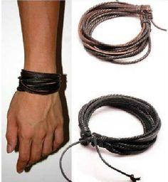 Você já deve ter visto ele David Beckham com duas pulseiras, pois estas pulseiras chegaram na loja o Imperador e esta fazendo o maior sucesso, tenha também a sua. Estas pulseiras são a moda do momento na Europa. Ajustável R$ 49,99