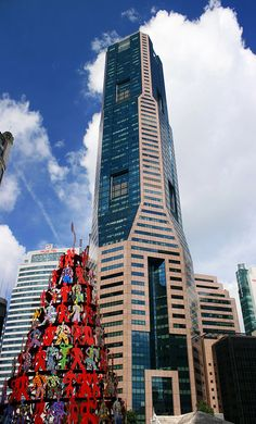 Skyscraper, Republic Plaza is one of the most iconic buildings, holds the title of being joint tallest on skyline of Singapore. tourist attractions.