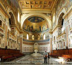 Easter. St. John Lateran Basilica. Rome. (2001)