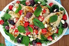 Een koolhydraatarm hoofdgerecht, Griekse kipfilet! Dit is een exclusief kip recept. Je kan de kip als hoofdgerecht serveren met bijvoorbeeld rijst.