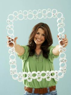 PVC pipe picture frame.  Love this idea...let's make a trip to Farver True Value!