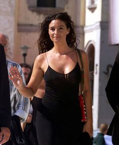 elebrity addresses free for Fan mail ccontacting celebrities and receiving free celebrity autographs and photos in the mail! Beautiful Celebrities, Beautiful Actresses, Most Beautiful Women, Beautiful People, Beautiful Dream, Malena Monica Bellucci, Monica Belluci, Monica Bellucci Photo, Italian Actress