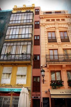 La casa mas estrecha. Valencia