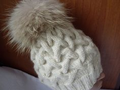 Two Needles : Fantasy Pattern # 3 Cable Knitting, Knitting Videos, Crochet Videos, Knitting Stitches, Knitting Patterns, Crochet Patterns, Crochet Baby, Knit Crochet, Knitted Hats