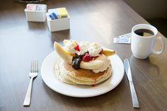 ハワイといったらやっぱりパンケーキ!日本にも続々人気店が上陸していますが、今回は現地で食べたいローカルの人に愛されるパンケーキをご紹介します。