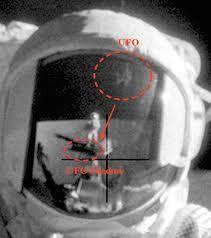 Risultati immagini per alien moon base