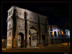 Rome by night: Arco di Costantino.   #TuscanyAgriturismoGiratola