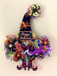 Halloween Front Door Decorations, Halloween Witch Wreath, Dollar Tree Halloween, Halloween Mesh Wreaths, Halloween Ribbon, Halloween Crafts, Halloween Magic, Halloween Ideas, Happy Halloween