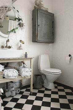 urban farmhouse #toilet #black #white