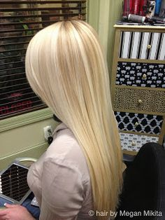 this blonde hair color has great depth, love the two tones together!